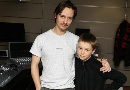 Photo of Tom Schilling & his  Son  Oskar Schilling